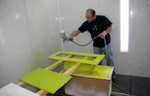 Méthodes de peinture à la maison de meubles en aggloméré, nuances importantes