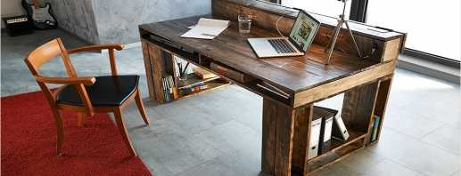 Faites vous-même la production pas à pas d'un simple bureau en aggloméré