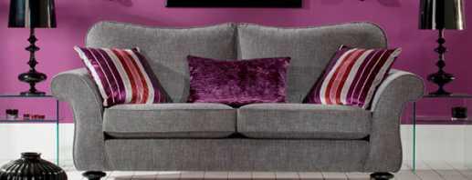 L'utilisation d'un canapé gris à l'intérieur, options de combinaison