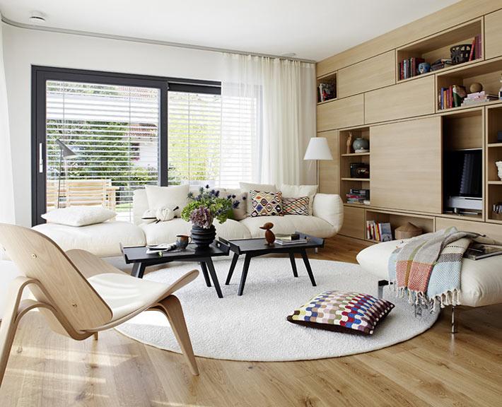 Pourquoi choisir un agencement circulaire de meubles dans le salon