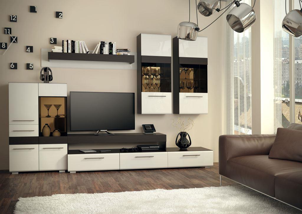 Mobilier moderne et lumineux dans le salon
