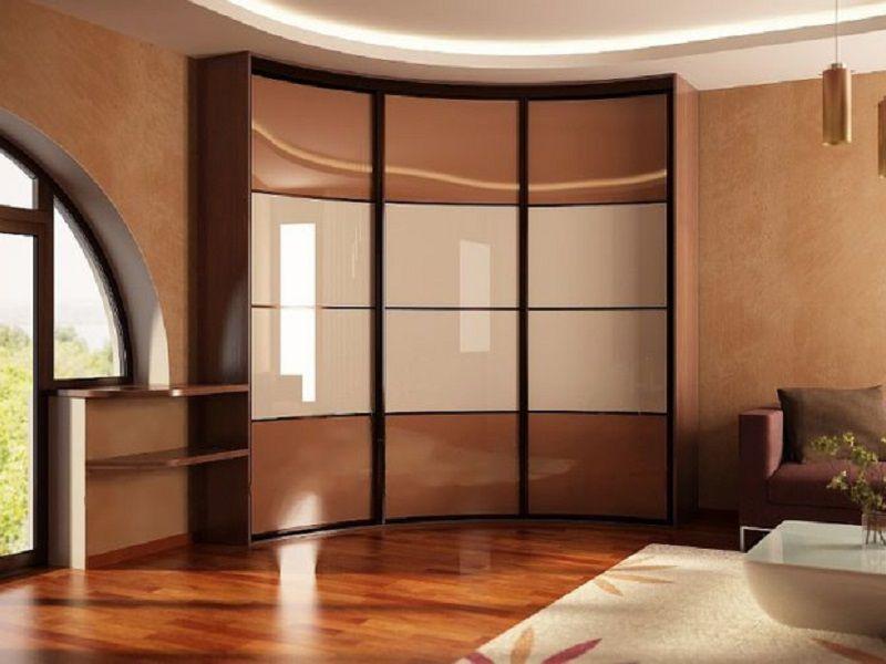 Armoire coulissante - une solution simple pour un petit appartement