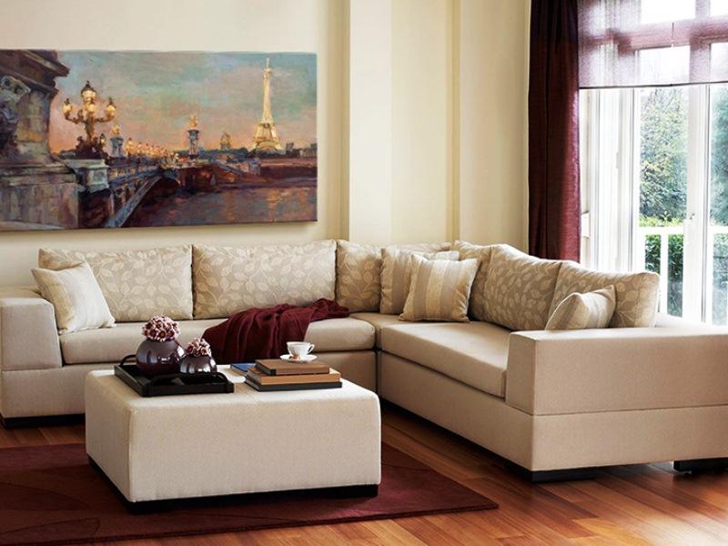 Canapé en intérieur beige