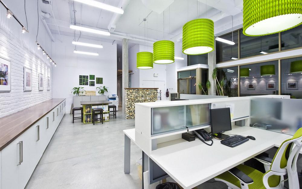 Design de bureau aux couleurs vives