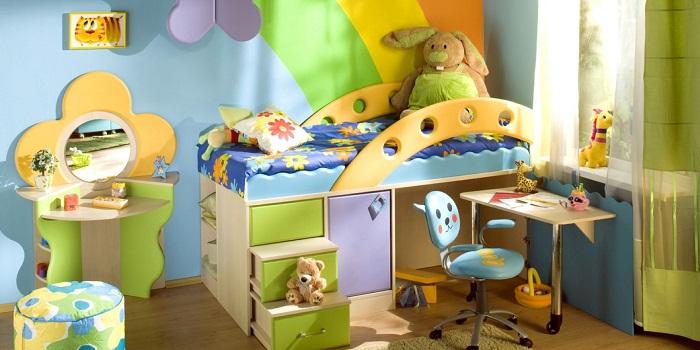 Comment décorer brillamment une pièce pour un petit enfant